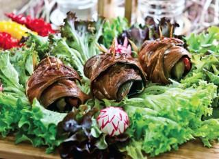 Roladki makrelowe z ogórkiem i papryką