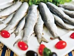 """Moskaliki"" herring in vinegar souce"
