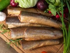 Morszczuk wędzony – Dostępny w opakowaniu 2 kg lub 3 kg.